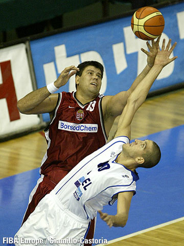 Robert Gulyas (Hungary, left) and Tal Burstein (Israel)